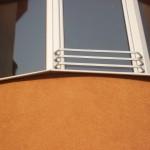 Rešetka na prozorima na stambeno poslovnom objektu Neda Doboj
